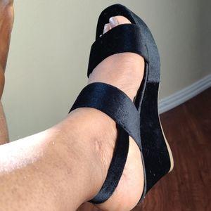 Steve Madden Carlyle Velvet Wedge Sandal